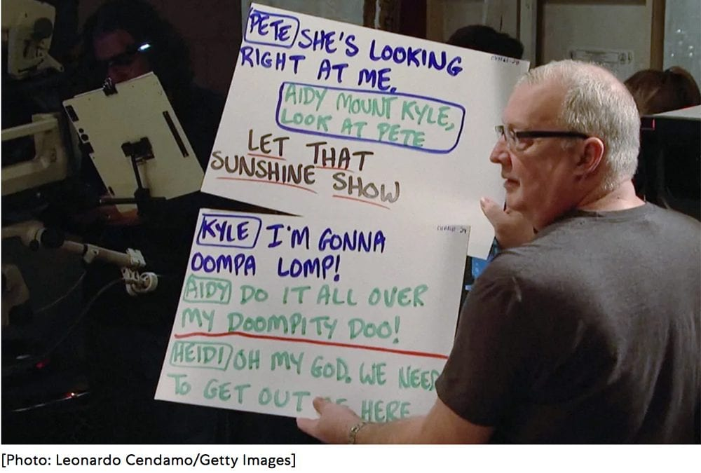 SNL's cue card guru explains why the show uses handwriting